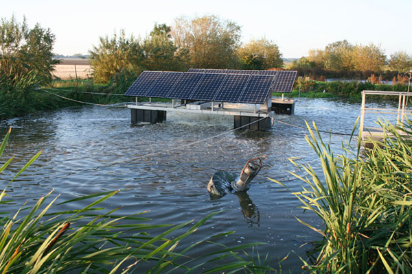 low-speed-surface-aerator-powered-by-solar-energy-5